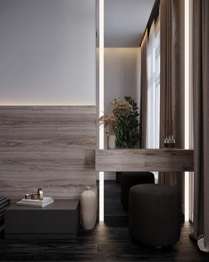 макияжная зона с вертикальной подсветкой и большим ростовым зеркалом до потолка.