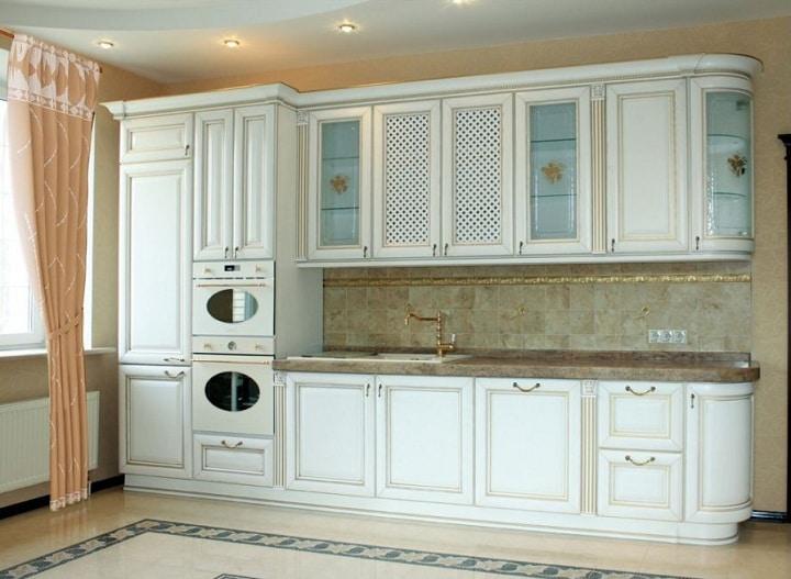 Маленькая и компактная кухня, лучший выбор и расположение модулей.