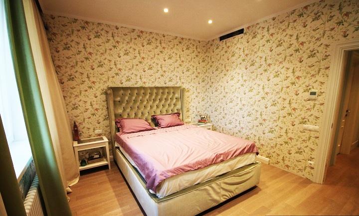 Вторая спальня, установлен датчик температуры, несколько типов подсветки. Дизайн проект в ЖК Лучи, планировка.