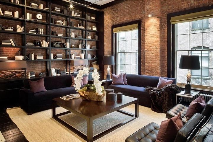 Если вы не хотите заставлять стены высокими шкафами, а место под хранение требуется. То открытые стеллажи станут прекрасным выбором.